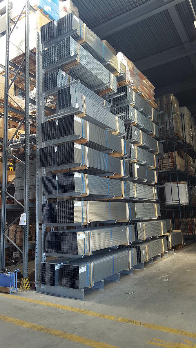 Comercio metal rgico estanter as para cargas pesadas for Perfiles de estanterias metalicas